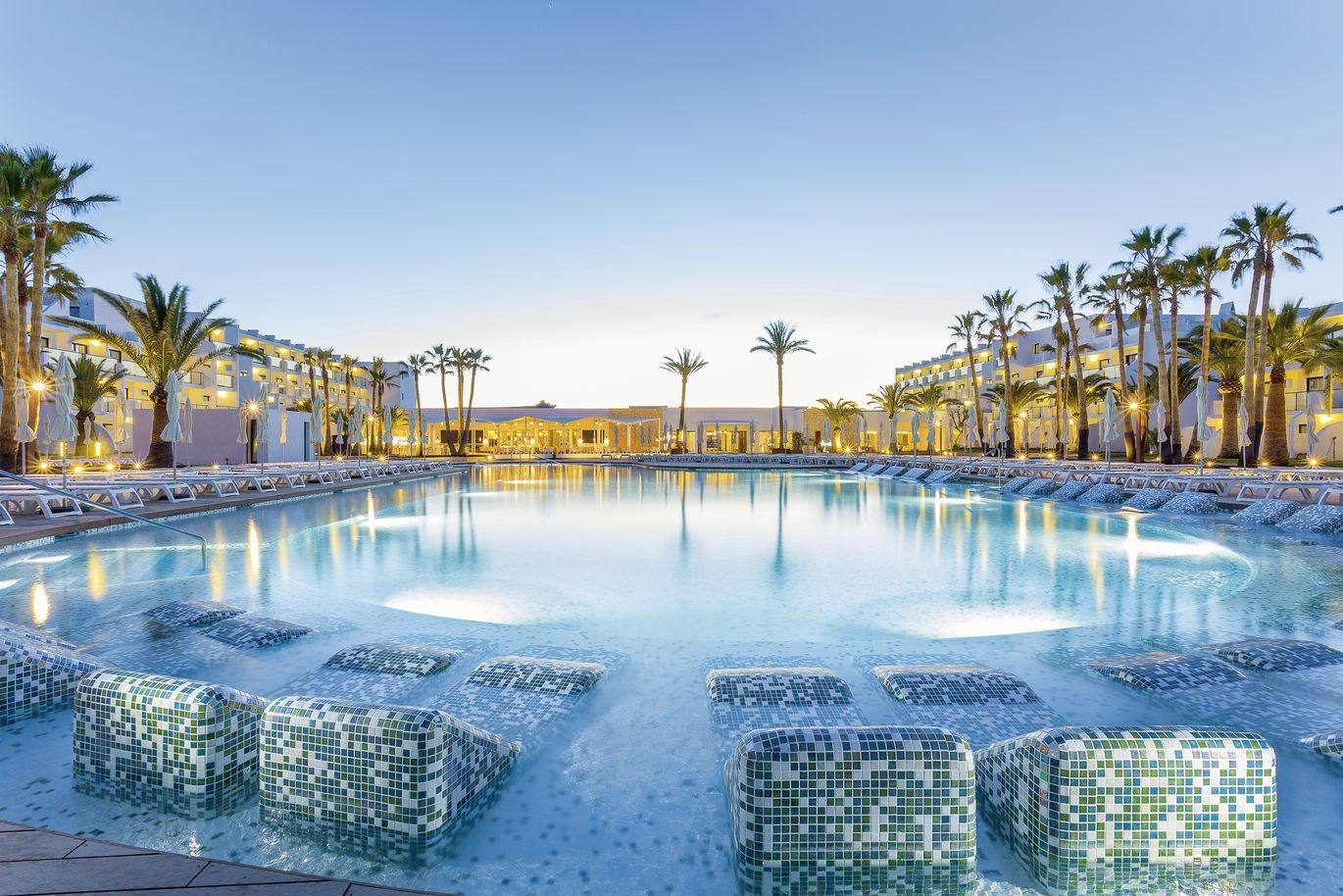 Hôtel Grand Palladium White Island Resort et Spa 5* pas cher photo 1