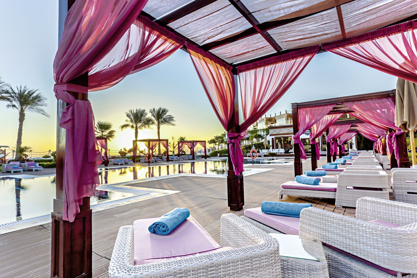 Hôtel Sunrise Arabian Beach Resort Grand Select 5* pas cher photo 1